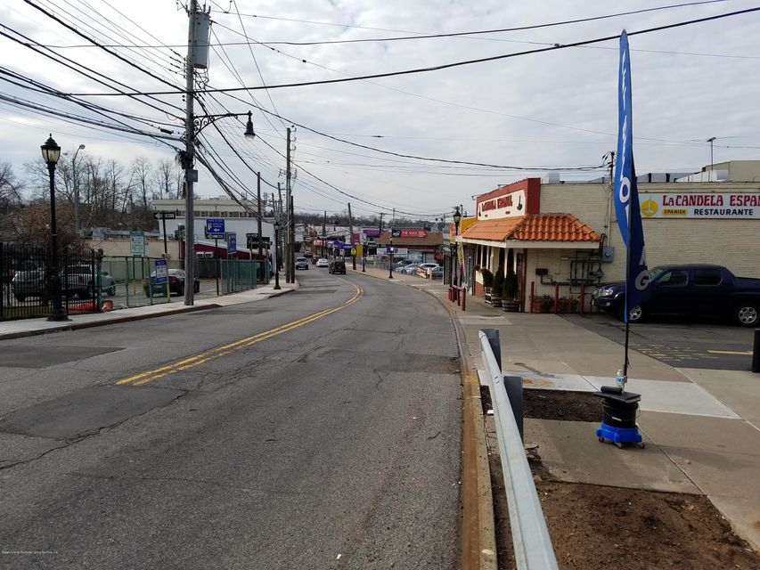 Additional photo for property listing at 3917 Amboy Road  Staten Island, New York 10308 United States