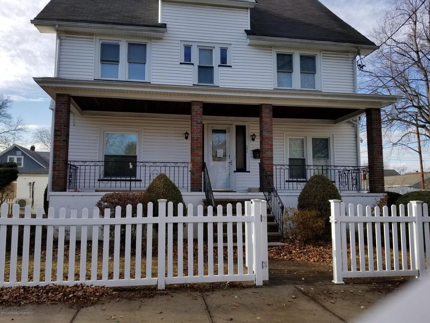Single Family Home for Rent at 202 Dickie Avenue Staten Island, New York 10314 United States