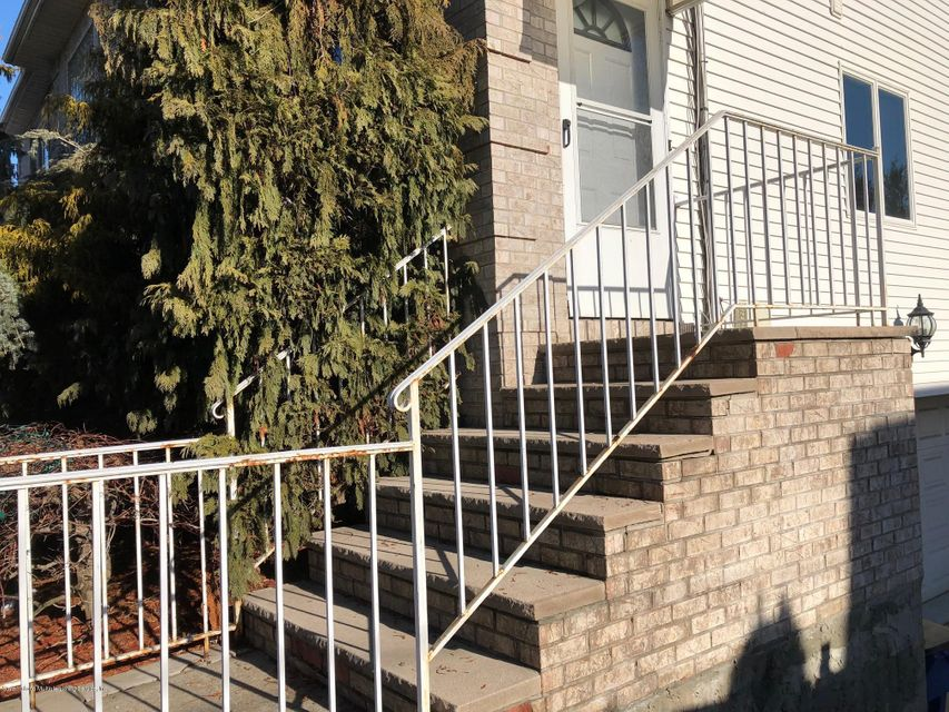 Single Family Home for Rent at 103 Ryan Place Staten Island, New York 10312 United States