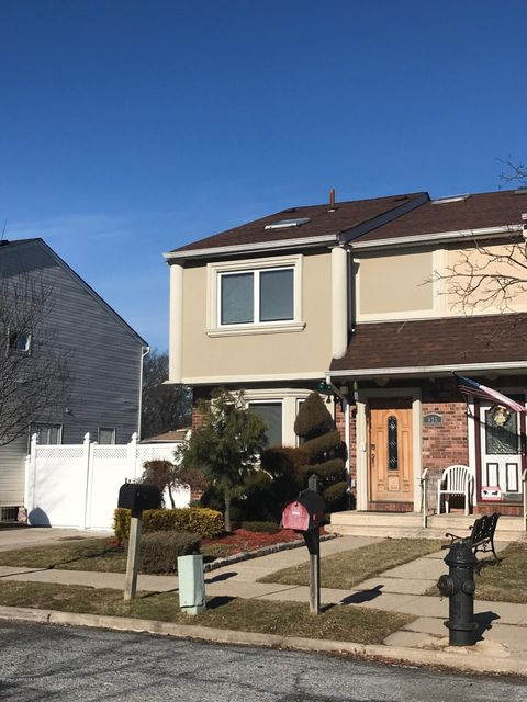 Single Family Home for Sale at 175 Rye Avenue Staten Island, New York 10312 United States