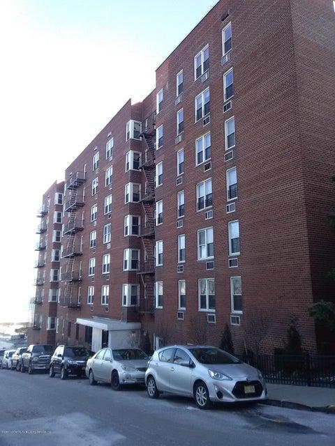 Co-Op in St. George - 36 Hamilton Avenue 1s  Staten Island, NY 10301