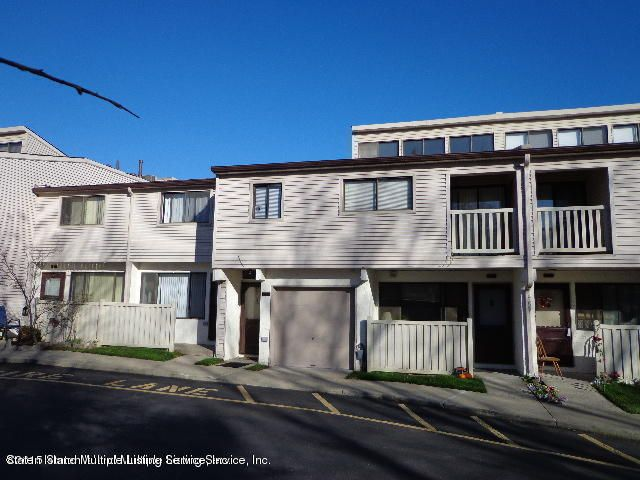 Additional photo for property listing at 187 Winding Woods Loop  Staten Island, New York 10307 United States