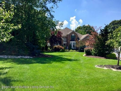 Single Family Home for Sale at 5 Black Oak Court Monroe Township, New Jersey 08831 United States
