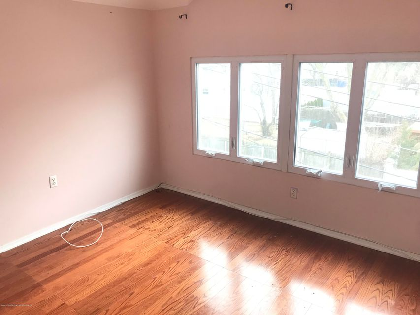 Additional photo for property listing at 23 Windmill Court  Staten Island, New York 10306 United States