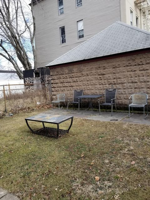 Additional photo for property listing at 91 Tysen Street  Staten Island, New York 10301 United States
