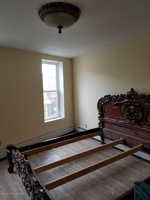 Additional photo for property listing at 638 Bay Street  Staten Island, New York 10304 United States