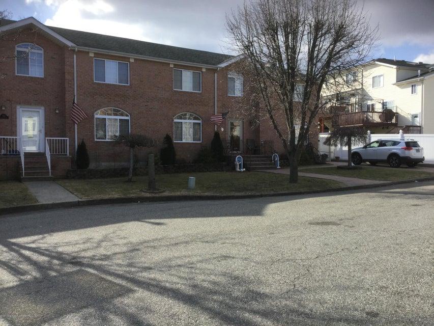 Single Family - Semi-Attached 104 Anthony Street  Staten Island, NY 10309, MLS-1116590-2