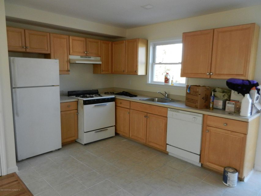 Additional photo for property listing at 245 Livingston Avenue  Staten Island, New York 10314 United States
