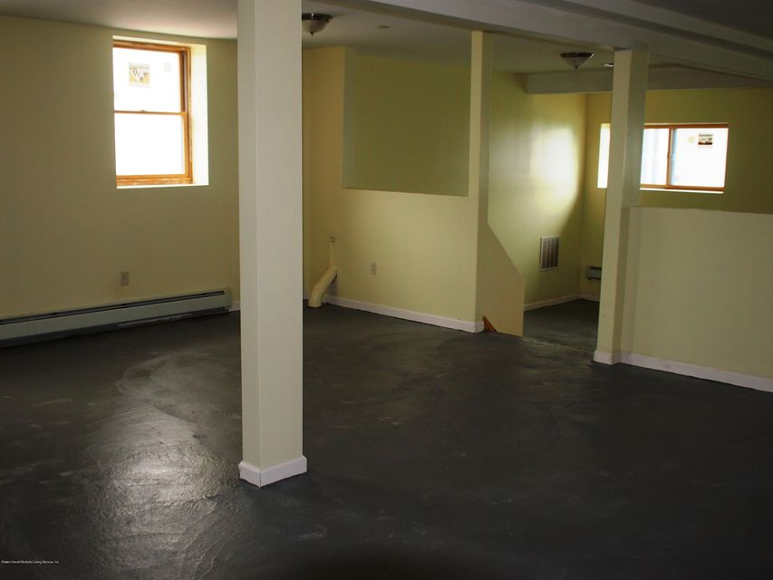 Additional photo for property listing at 107 Haven Avenue  Staten Island, New York 10306 United States
