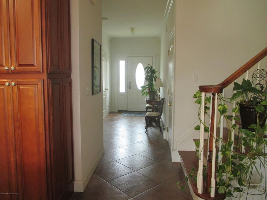 Single Family - Attached 68 Tiller Court  Staten Island, NY 10309, MLS-1116646-5