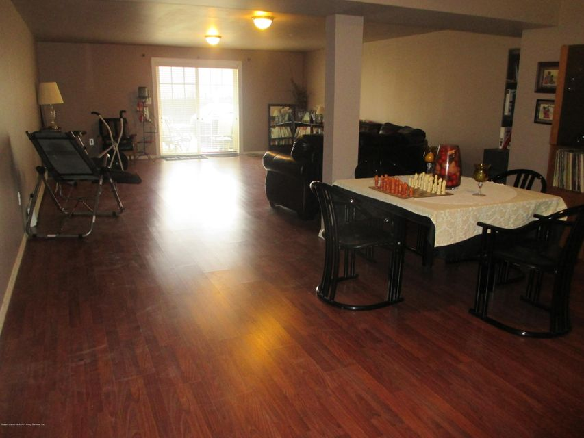 Single Family - Attached 68 Tiller Court  Staten Island, NY 10309, MLS-1116646-23