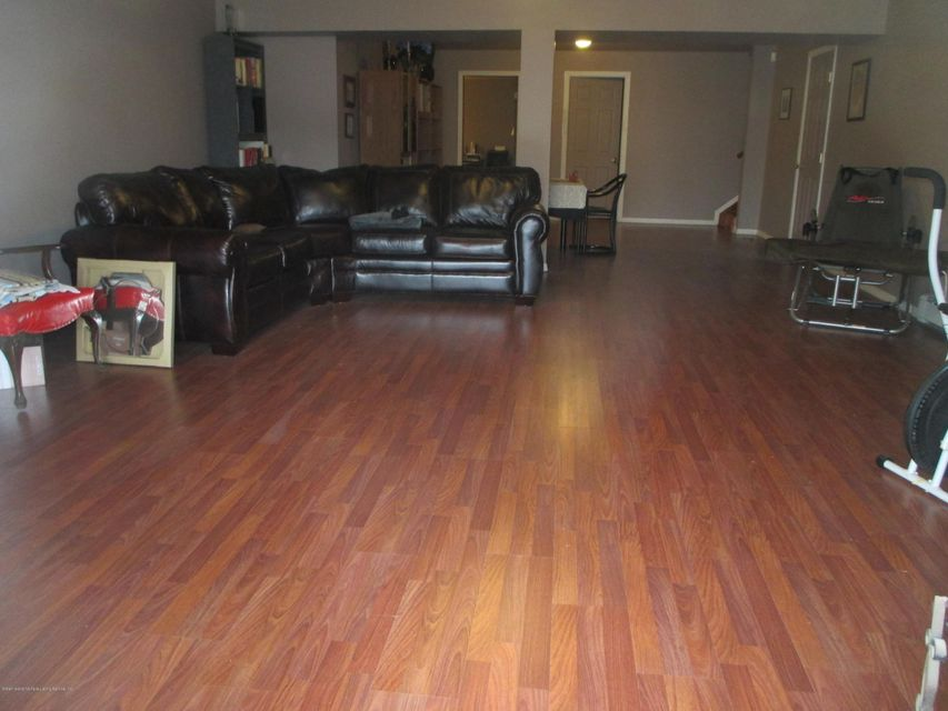 Single Family - Attached 68 Tiller Court  Staten Island, NY 10309, MLS-1116646-24