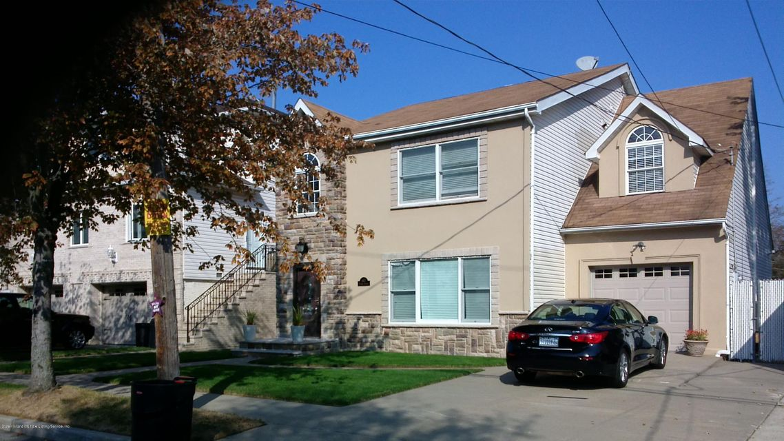 Single Family - Detached in Tottenville - 667 Yetman Avenue  Staten Island, NY 10307
