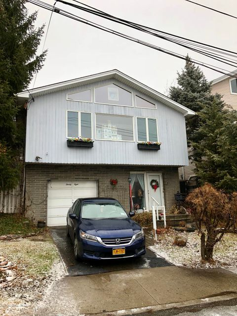 Single Family Home for Sale at 28 Starbuck Street Staten Island, New York 10304 United States