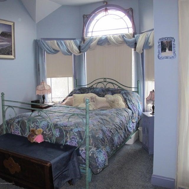Single Family - Detached 32 Starbuck Street  Staten Island, NY 10304, MLS-1116690-13