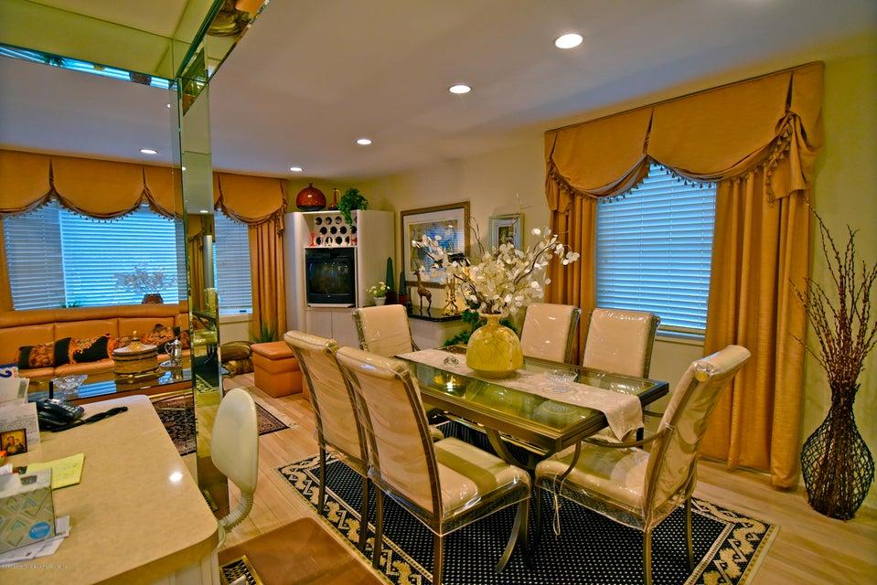 Single Family - Detached 337 Wainwright Avenue  Staten Island, NY 10312, MLS-1116701-3
