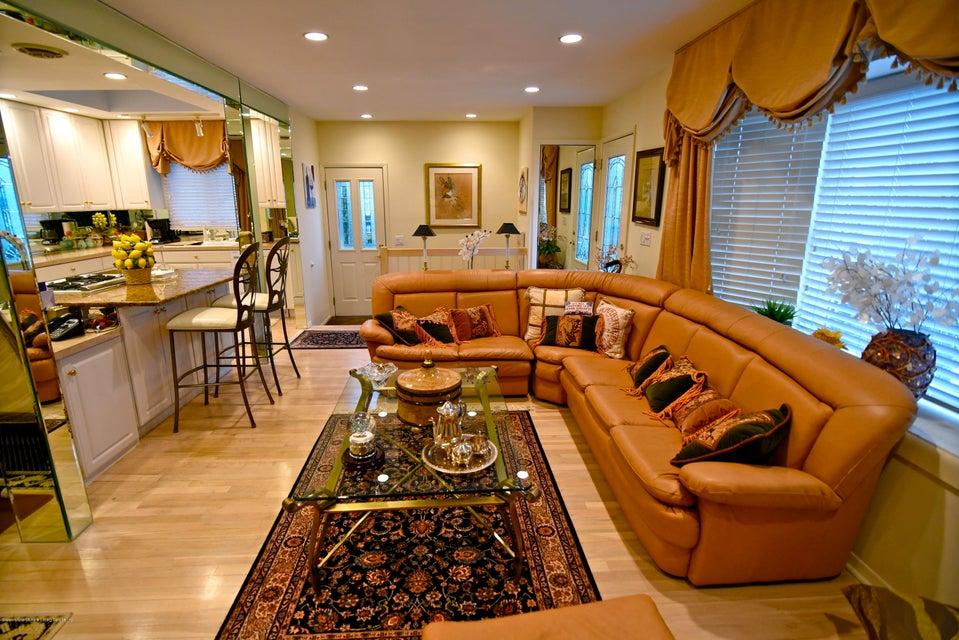 Single Family - Detached 337 Wainwright Avenue  Staten Island, NY 10312, MLS-1116701-6