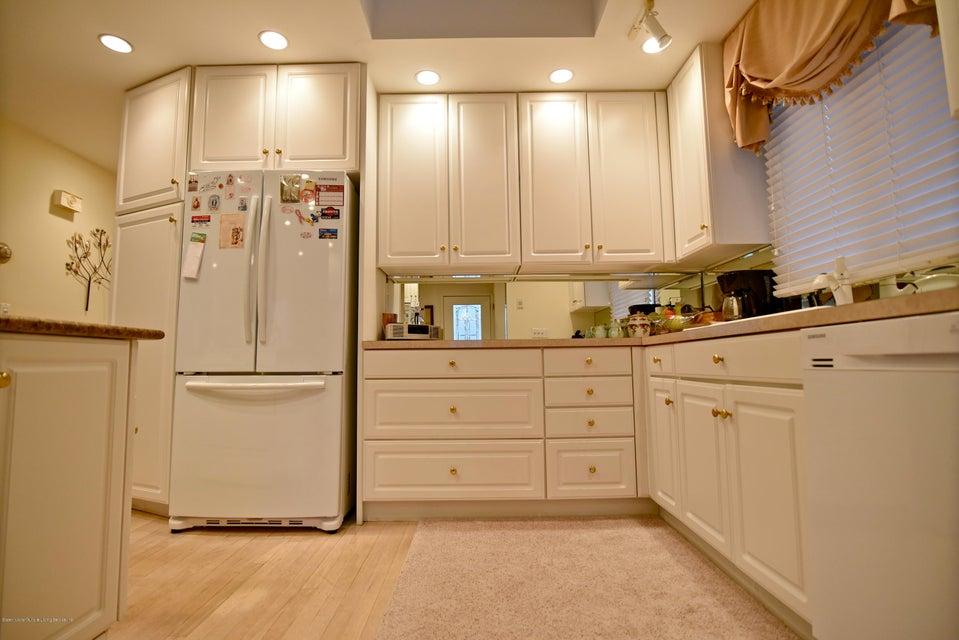 Single Family - Detached 337 Wainwright Avenue  Staten Island, NY 10312, MLS-1116701-8