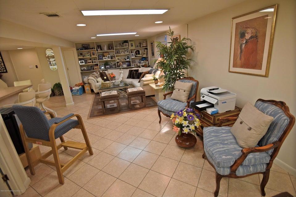 Single Family - Detached 337 Wainwright Avenue  Staten Island, NY 10312, MLS-1116701-12
