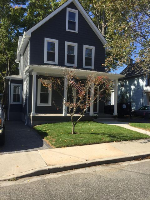 Single Family - Detached in Princes Bay - 126 Seguine Avenue  Staten Island, NY 10309