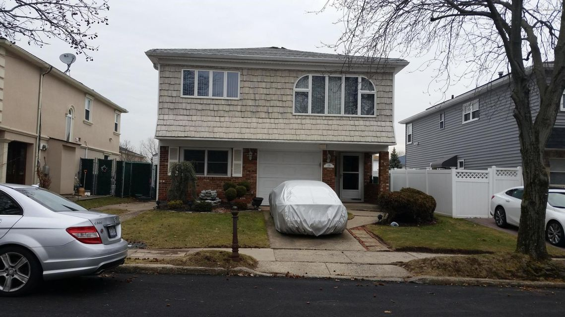 Two Family - Detached in New Springville - 178 Amsterdam Avenue  Staten Island, NY 10314