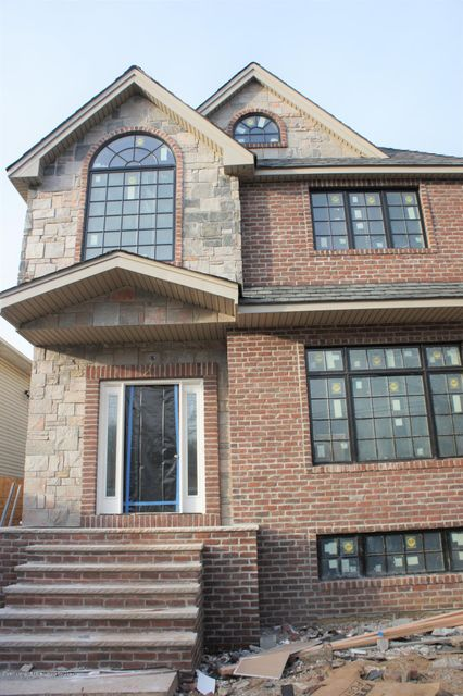 Single Family Home for Sale at 386 Poillon Avenue Staten Island, New York 10312 United States