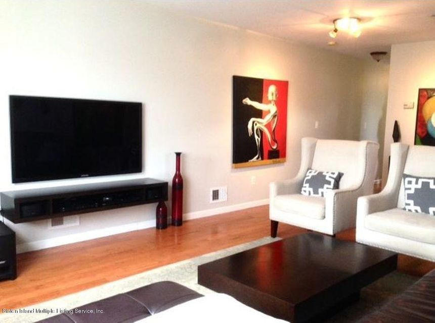Single Family - Semi-Attached 827 Patterson Avenue  Staten Island, NY 10306, MLS-1116745-2