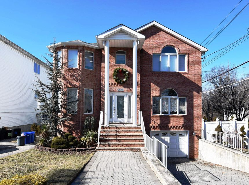 Two Family - Detached in Annadale - 123 Edgegrove Avenue  Staten Island, NY 10312