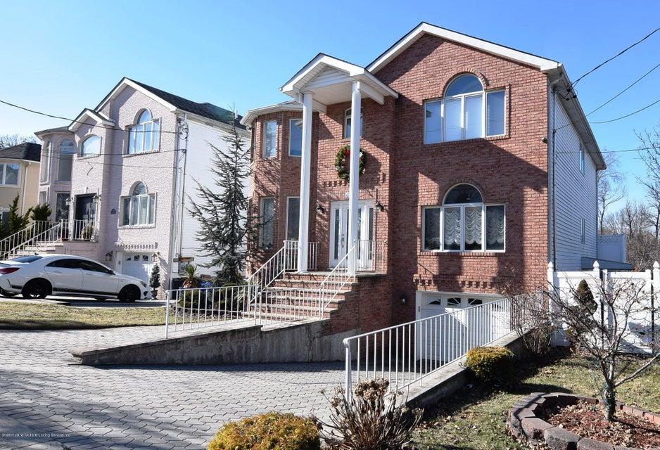 Two Family - Detached 123 Edgegrove Avenue  Staten Island, NY 10312, MLS-1116781-2