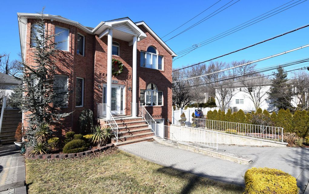 Two Family - Detached 123 Edgegrove Avenue  Staten Island, NY 10312, MLS-1116781-3