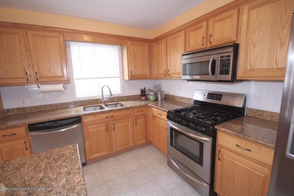 Single Family - Semi-Attached 5 Judith Court  Staten Island, NY 10305, MLS-1116774-9