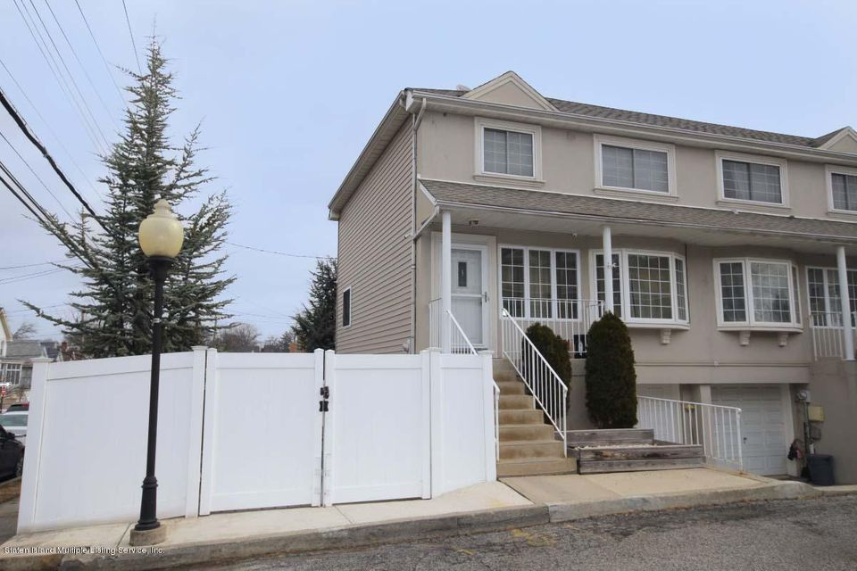 Single Family - Semi-Attached 5 Judith Court  Staten Island, NY 10305, MLS-1116774-2