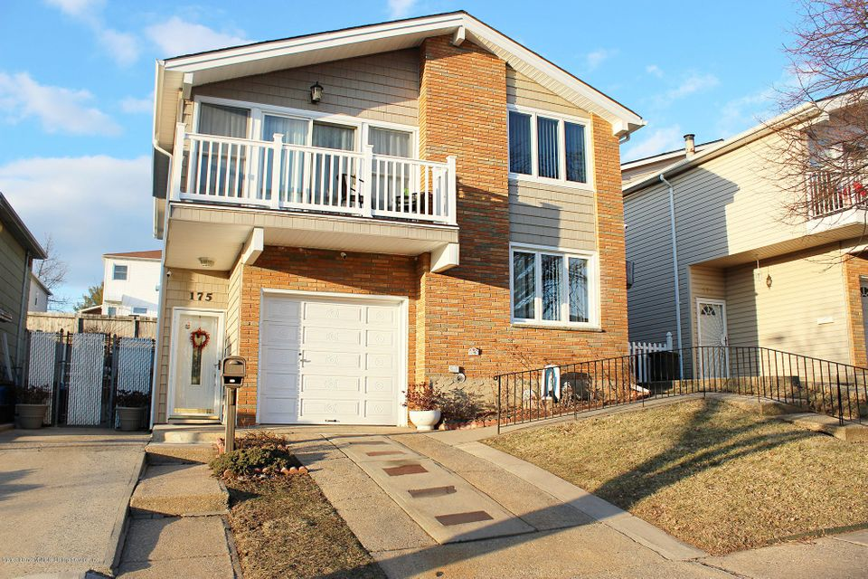 Two Family - Detached in Manor Heights - 175 Queen Street   Staten Island, NY 10314