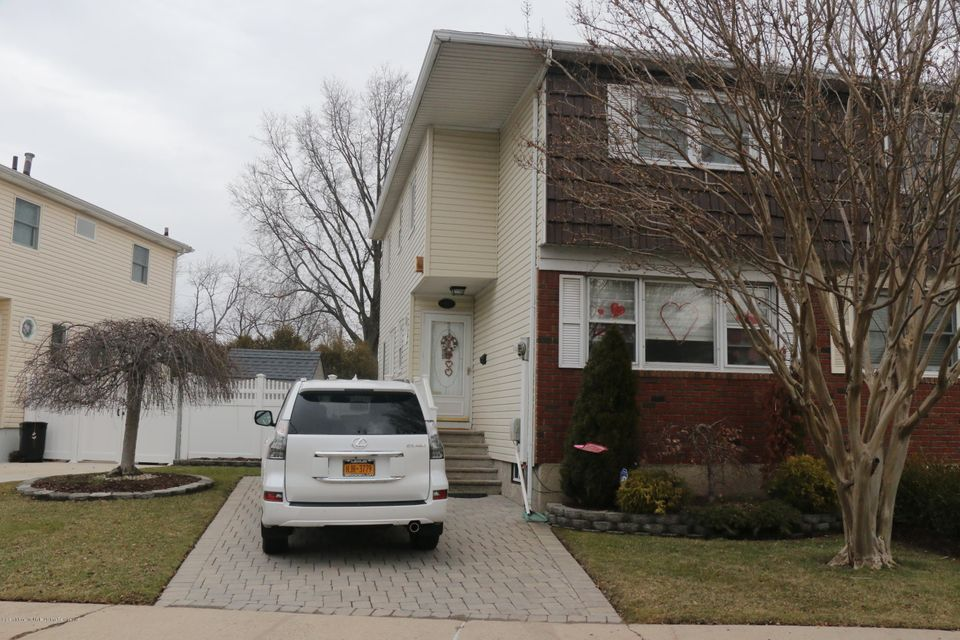 Single Family - Semi-Attached in Westerleigh - 69 Jaffe Street  Staten Island, NY 10314