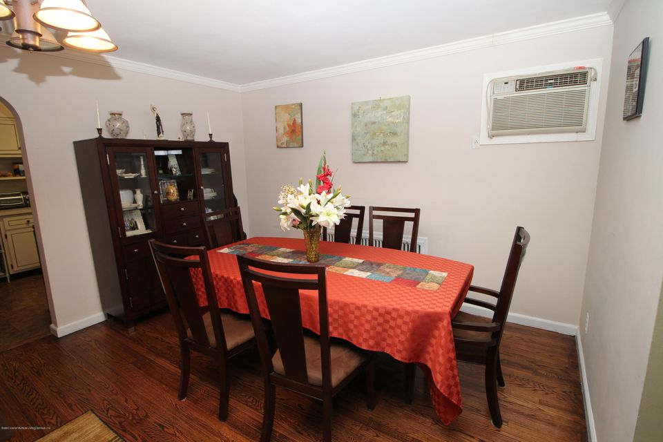Single Family - Detached 944 Railroad Avenue  Staten Island, NY 10306, MLS-1116797-10