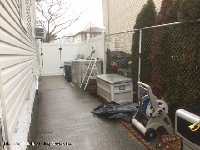 Single Family - Semi-Attached 14 Roberts Drive  Staten Island, NY 10306, MLS-1116800-17