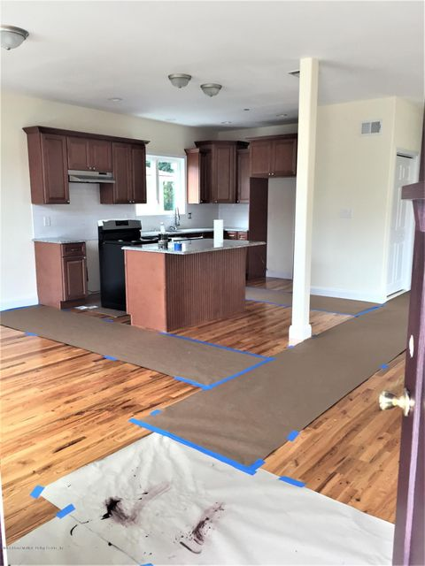 Two Family - Detached 281 Mallory Avenue  Staten Island, NY 10305, MLS-1116831-11