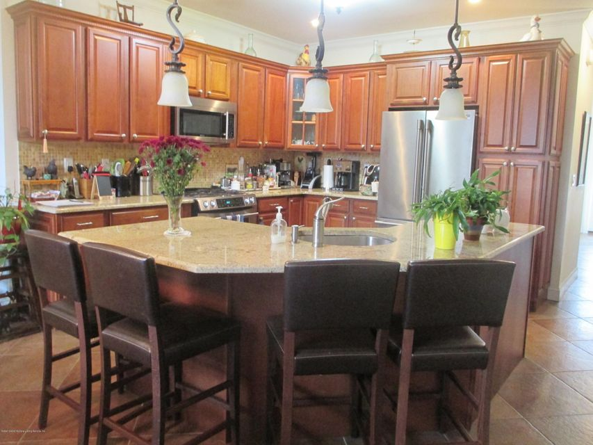 Single Family - Attached 68 Tiller Court  Staten Island, NY 10309, MLS-1116646-7