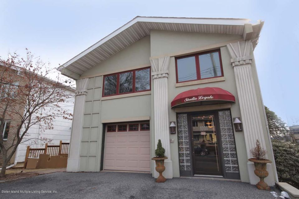 Single Family Home for Sale at 1001 Clove Road Staten Island, New York 10301 United States
