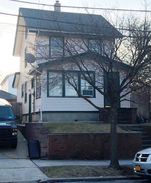 Single Family - Detached in Westerleigh - 16 Burnside Avenue  Staten Island, NY 10302