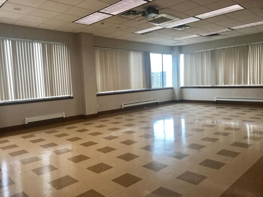 Additional photo for property listing at 1535 Richmond Avenue  Staten Island, New York 10314 United States