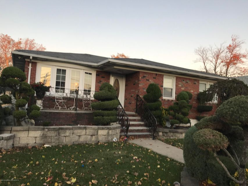 Single Family Home for Rent at 155 Ebbitts Street Staten Island, New York 10306 United States