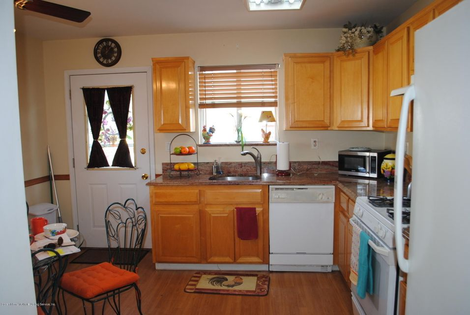 Single Family - Semi-Attached 15 Schindler Court  Staten Island, NY 10309, MLS-1116928-8