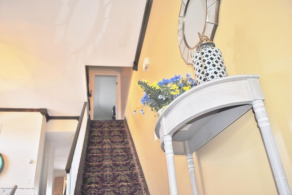 Single Family - Semi-Attached 15 Schindler Court  Staten Island, NY 10309, MLS-1116928-17