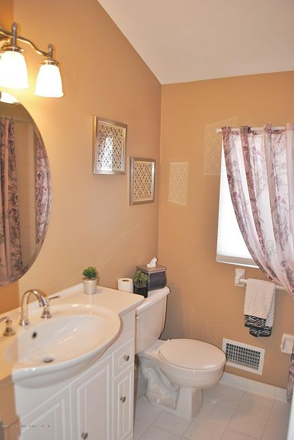 Single Family - Semi-Attached 15 Schindler Court  Staten Island, NY 10309, MLS-1116928-22