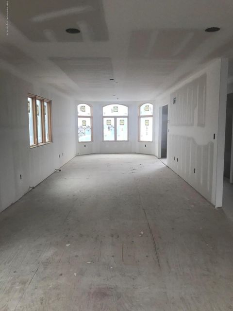 Single Family - Detached 7 Tucci Court  Staten Island, NY 10309, MLS-1116763-5
