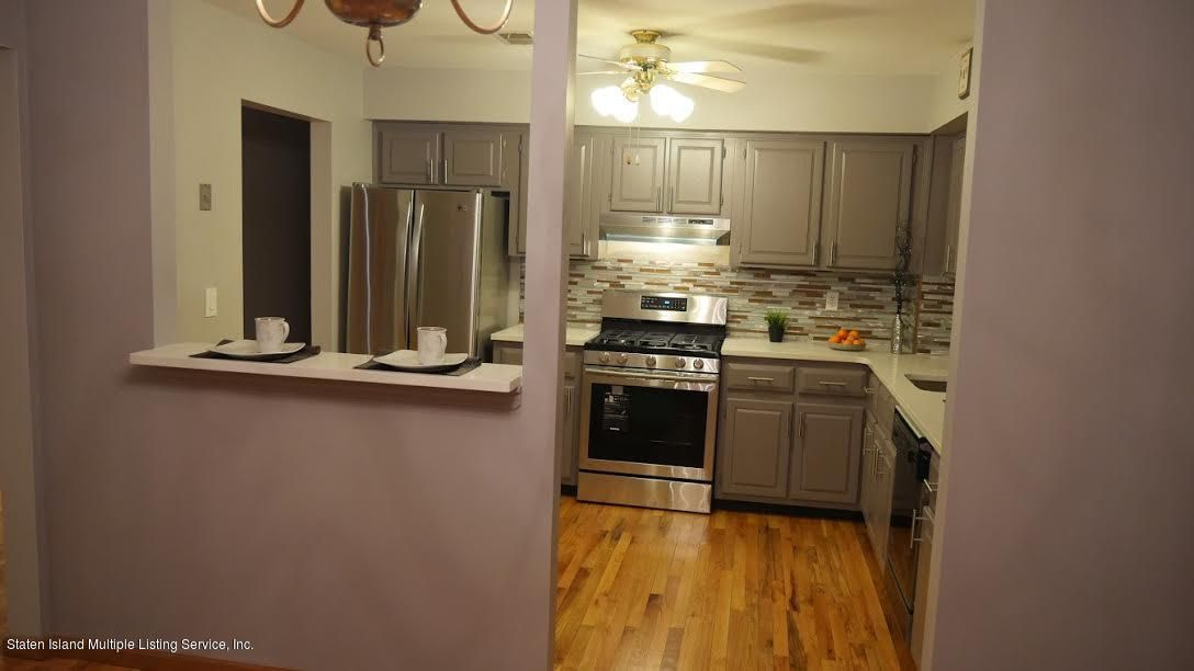 Additional photo for property listing at 242 Chelsea Street  Staten Island, New York 10307 United States