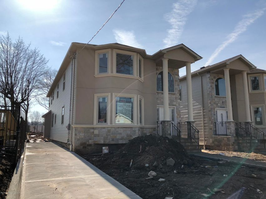 Additional photo for property listing at 394 Clarke Avenue  Staten Island, New York 10306 United States