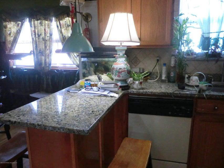 Single Family - Semi-Attached 831 Tompkins Avenue  Staten Island, NY 10305, MLS-1116913-3