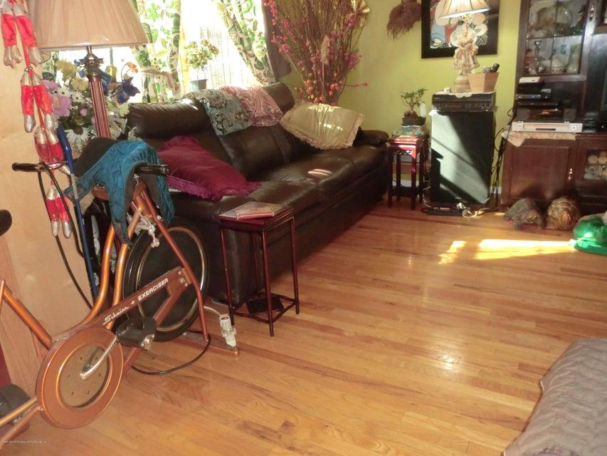 Single Family - Semi-Attached 831 Tompkins Avenue  Staten Island, NY 10305, MLS-1116913-15